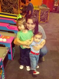 Del Valle babysitter Veronica Dl